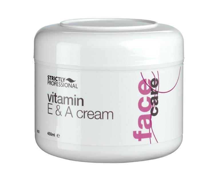 Krém vyživuje pokožku pomocí vysokého obsahu vitamínu A a E.